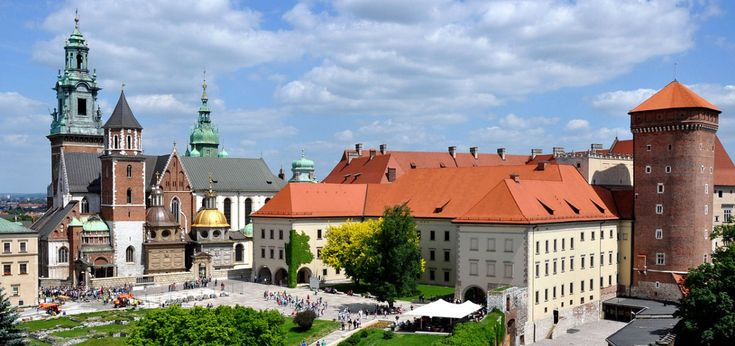 Do You need some Krakow tourist information? Visit guide-krakow! What is worth seeing in the city? See our sample itinerary!