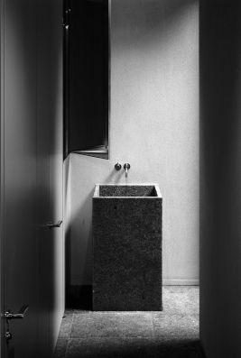 VDD residence designed by Vincent van Duysen