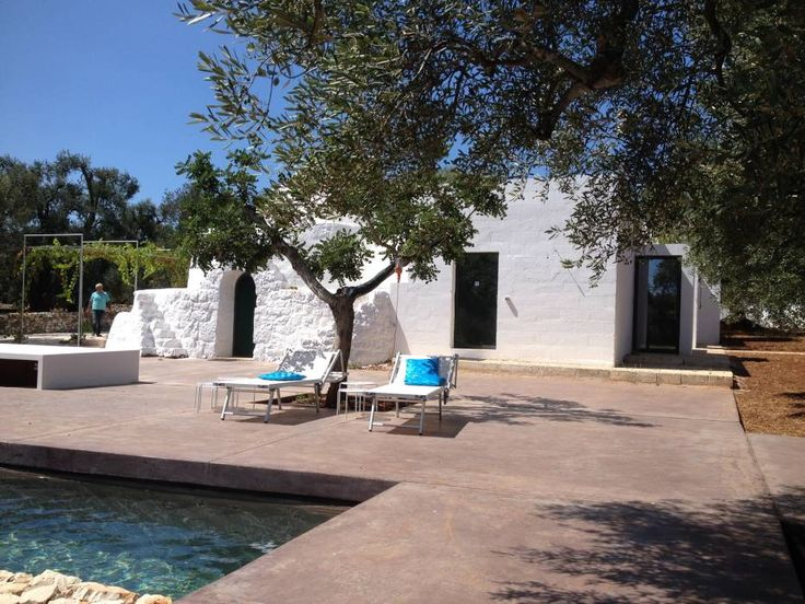 trullo con piscina: Case % in stile % {style} di {professional_name}