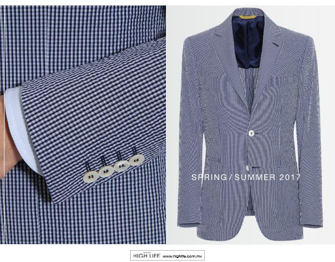 Elaborado con sublime algodón, este lujoso saco se destaca por su estética deconstruccionista, generando un look casual y distintivo para el hombre moderno. #Canali