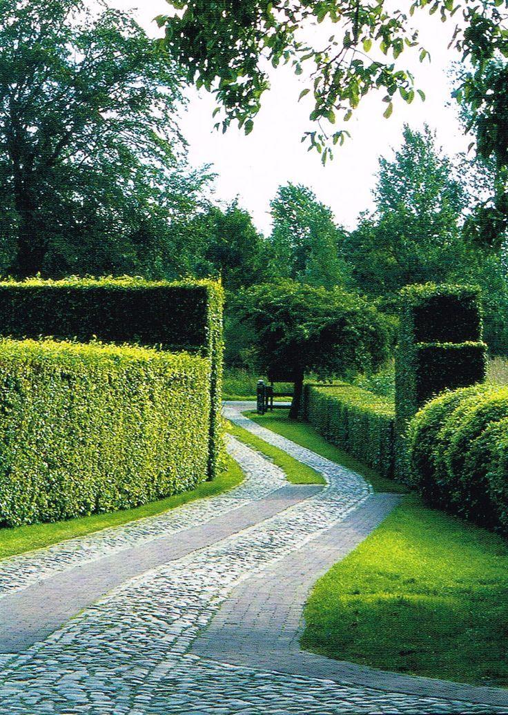 Cobble Driveway W/ Hedges