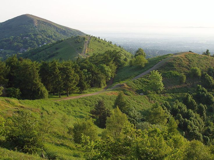 Malvern Hills. Photo by Daderot  'The Remains of an Altar'