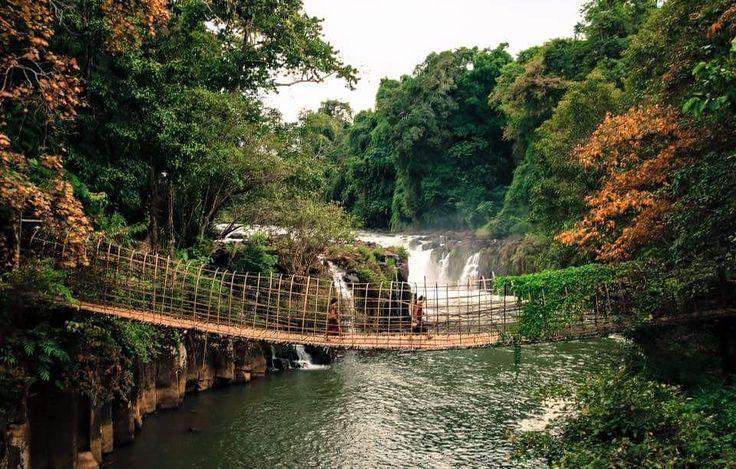 Pha Suam Waterfall, Champasak Province. Photo: Dos Nomadas #Laos #Asia #ASEAN #Champasak #Waterfall #LaosPictures