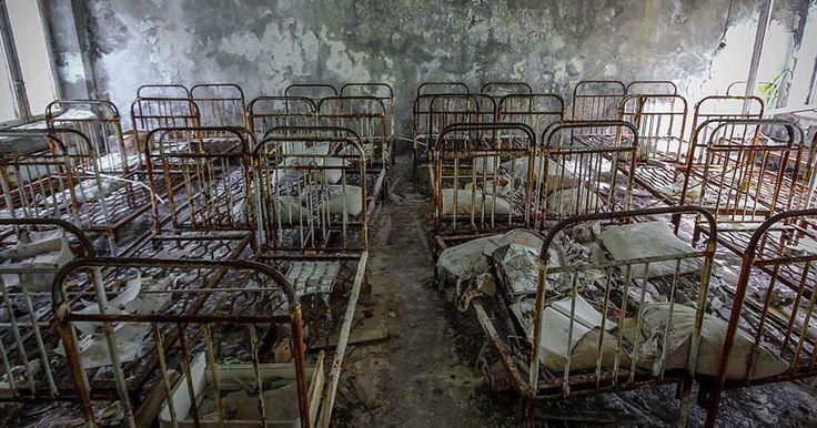 Osez pénétrer dans les vestiges angoissants de Pripiat, cette ville fantôme située à 3 kilomètres de Tchernobyl