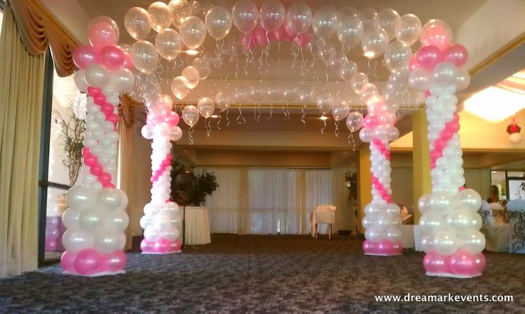 Dance floor decoration with balloon columns and balloon for Balloon dance floor decoration
