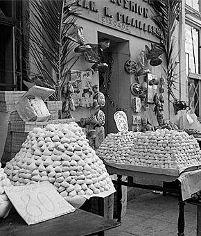 Η Αθήνα των 60s: Φωτο-βόλτα σε άλλες εποχές Πωλούνται... κουραμπιέδες