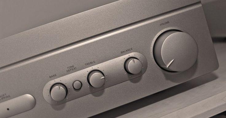 Como conectar um subwoofer a um amplificador integrado que não possui saída para subwoofer. Saídas pré-amplificadas de subwoofer são comuns nos receptores de um home theater, já que um subwoofer é parte integral de um sistema de som com alto-falantes surround. Saídas pré-amplificadas de subwoofer são muito menos comuns em amplificadores integrados de sistemas estéreo, já que o subwoofer não é um prerrequisito para um sistema de som ...