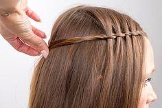 Flecht-Anleitung: Die Wasserfall-Frisur eignet sich perfekt, um mittellanges bis langes Haar in Szene zu setzen