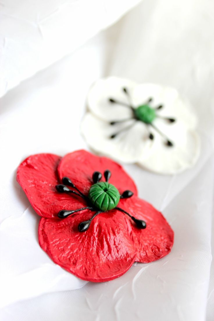 Polymer clay brooches- poppies ♥️