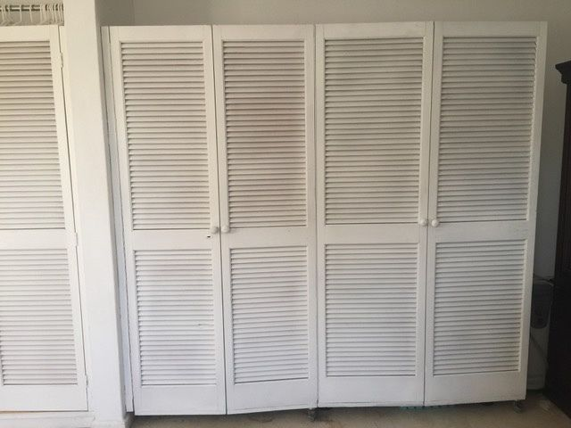 We have 6 louvre/shutter doors available. Currently 4 are hinged together with casters underneith to make a 'concertina' - easy to t...200162650