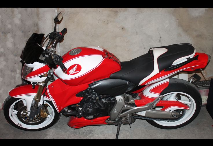 Honda Hornet 2008 600cc peinture perso