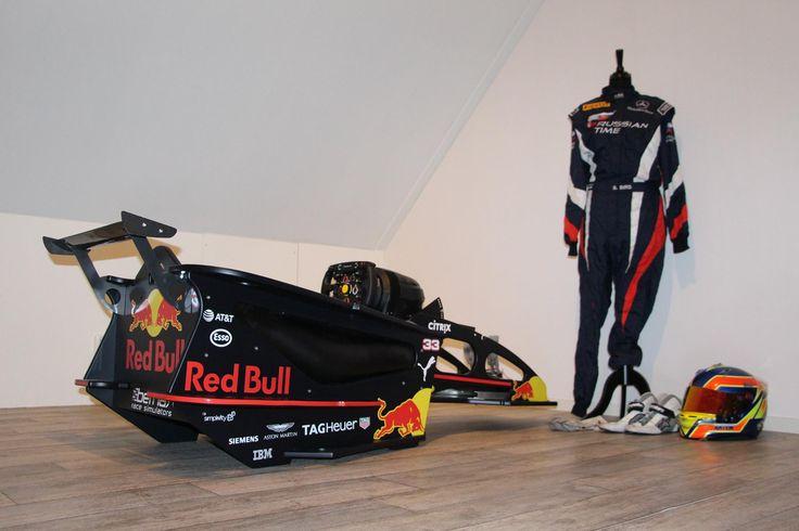 Red Bull Racing / Max Verstappen F1 Cockpit Simulator. #F1 #MaxVerstappen #RedBullRacing #Simulator #Simracing #Bernax #RB13 #Formula1 #Verstappen
