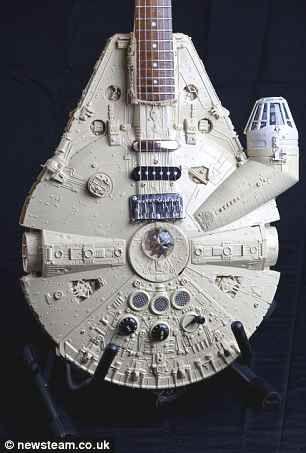 Chitarre di Star Wars e altri oggetti di Tom Bingham | Vanilla Magazine