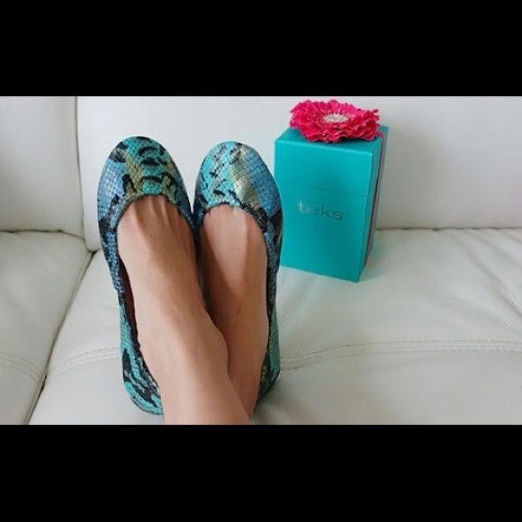 ISO - Tieks Azure Blue Snake. New/EUC/VGUC. Sz 8. Looking for/ ISO - Tieks Azure Blue Snake. New, EUC, or VGUC. Size 8. (This is not an item for sale- I am searching for this). Thanks!! Tieks Shoes Flats & Loafers