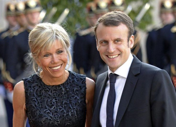 <p>La pareja se conoció cuando Macron tenía solo 15 años. Él actuaba en una obra de teatro en un colegio privado jesuita y ella era la profesora que supervisaba la función (Yahoo UK). </p>