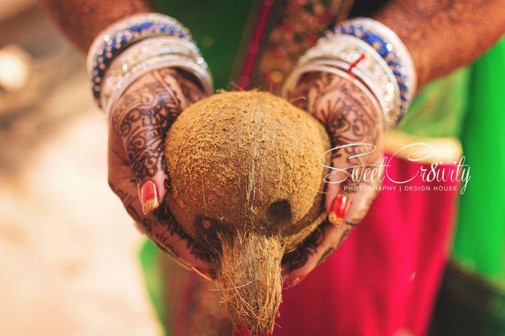 chatsworth,durban wedding photographers,sweetcr8ivity,elaine aveen lutchman,mehendi,wedding decor,tamil nelengu,camphor,table decor,mother and daughter,kisses,tumeric powder,bridal lehenga,kuthuvilluke,