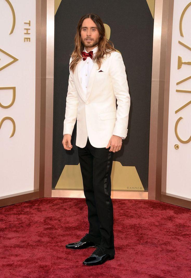 Jared Leto w wiązanych półbutach:  http://www.intershoe.com.pl/polbuty-0290869m