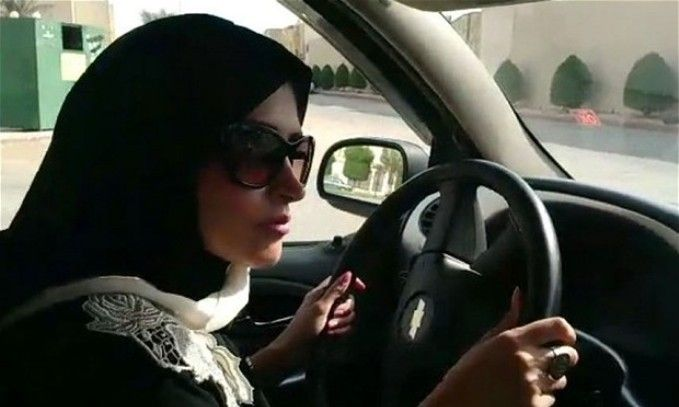 Femeile din Arabia Saudita au primit dreptul de a sofa, insa tot nu pot face aceste lucruri…