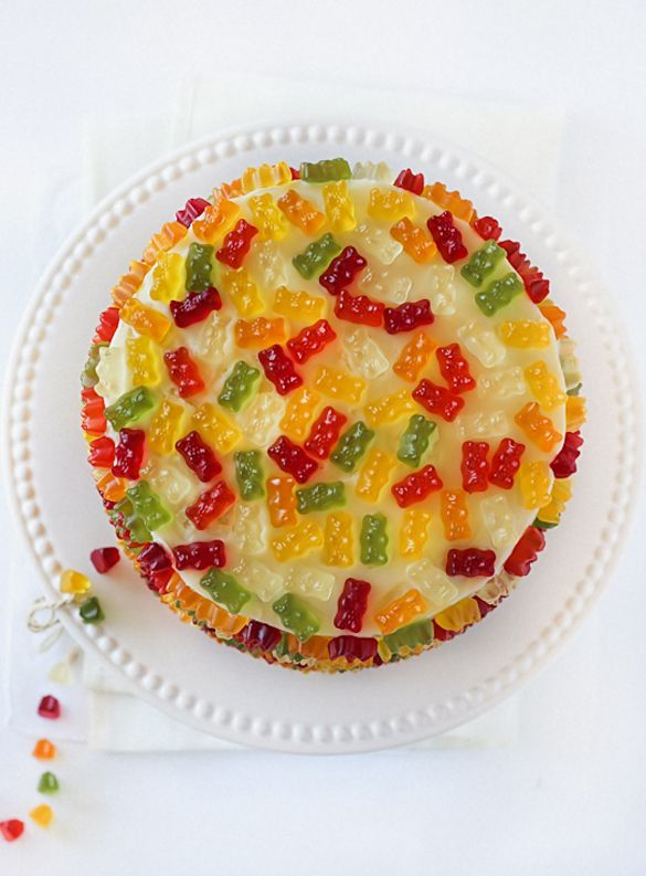 Easy cake decorating ideas: Cover a store-bought cake in gummy bears!  | Fancy Edibles
