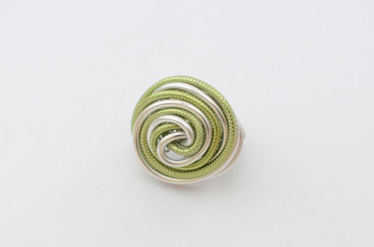 Apple green aluminum wire ring, summer ring, wrapped ring, aluminium ring, twisted ring, handmade ring, made to order ring, gift for her by MadebyLaure on Etsy