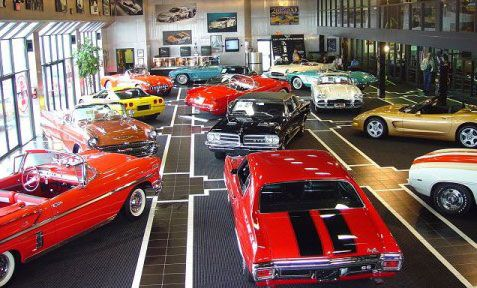 The Kerbeck Collection Showroom        Kerbeck Corvette and GM Muscle Car Display