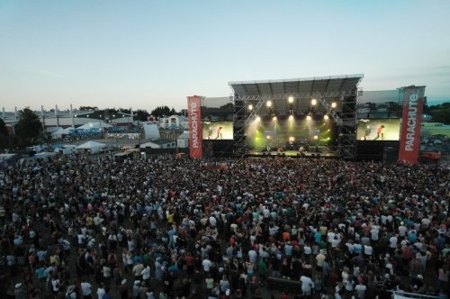 This is Summer. <3    Parachute Music Festival