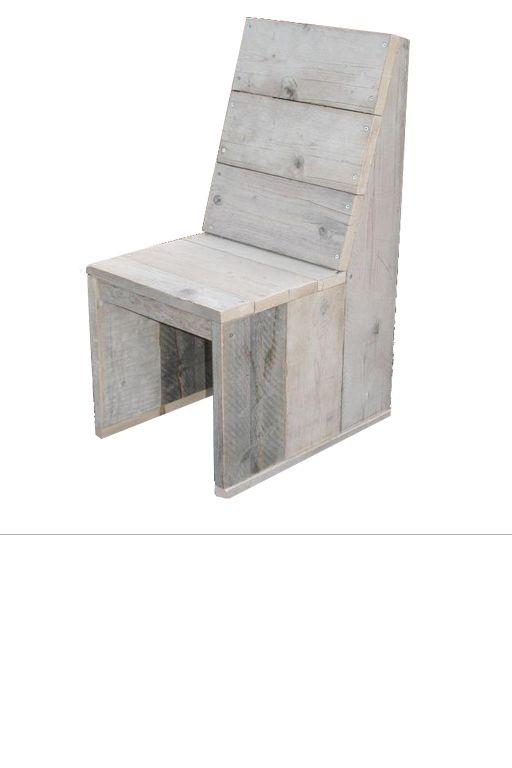 •Met de hand vervaardigde stoel gemaakt uit oud steigerhout. •Stoel heeft de afmetingen: breed 50 cm,hoogte zitvlak 45 cm,zitvlak 50x40 cm, hoogte rugleuning 102 cm •Tafelblad is gemaakt van oud steigerhout. •Tafelpoten lopen door in de tafel.