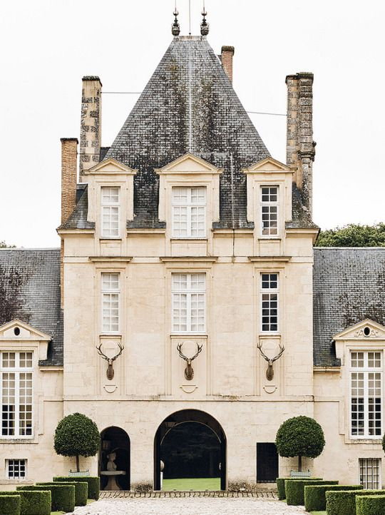 26669 best chateau images on pinterest french chateau for French chateau exterior design