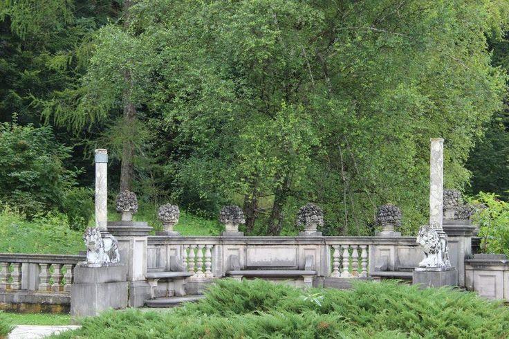 Garden, Peleș Castle, România