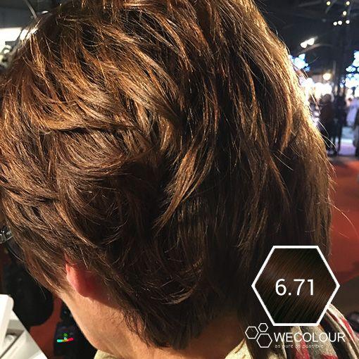 Heb je highlights  en wil je beide kleuren iets donkerder? Dat kan! De haarkleuring van WECOLOUR zal beide kleuren evenredig donkerder maken, de highlights blijven dus zichtbaar.  #wecolour #hazelnoot #lichtbruin #haarkleuring
