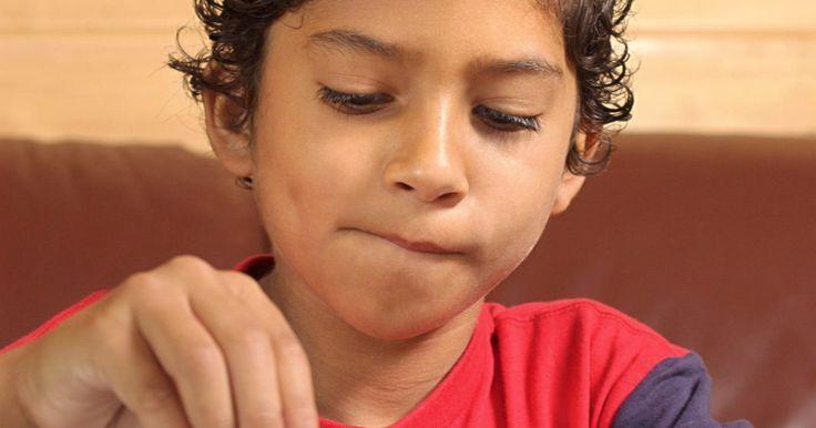 Juegos infantiles tradicionales en Brasil. Como la mayoría de los países del mundo, Brasil es el hogar de una serie de juegos tradicionales para niños, tanto en interiores como al aire libre. Muchos juegos de los niños brasileños son bastante simples y no requieren ningún tipo de equipo o entrenamiento especial para la participación. Algunos juegos similares se encuentran en otras partes ...