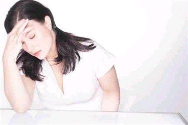 Mareos, descubre su causa: falta de aire, problemas de equilibrio, envejecimiento, náuseas