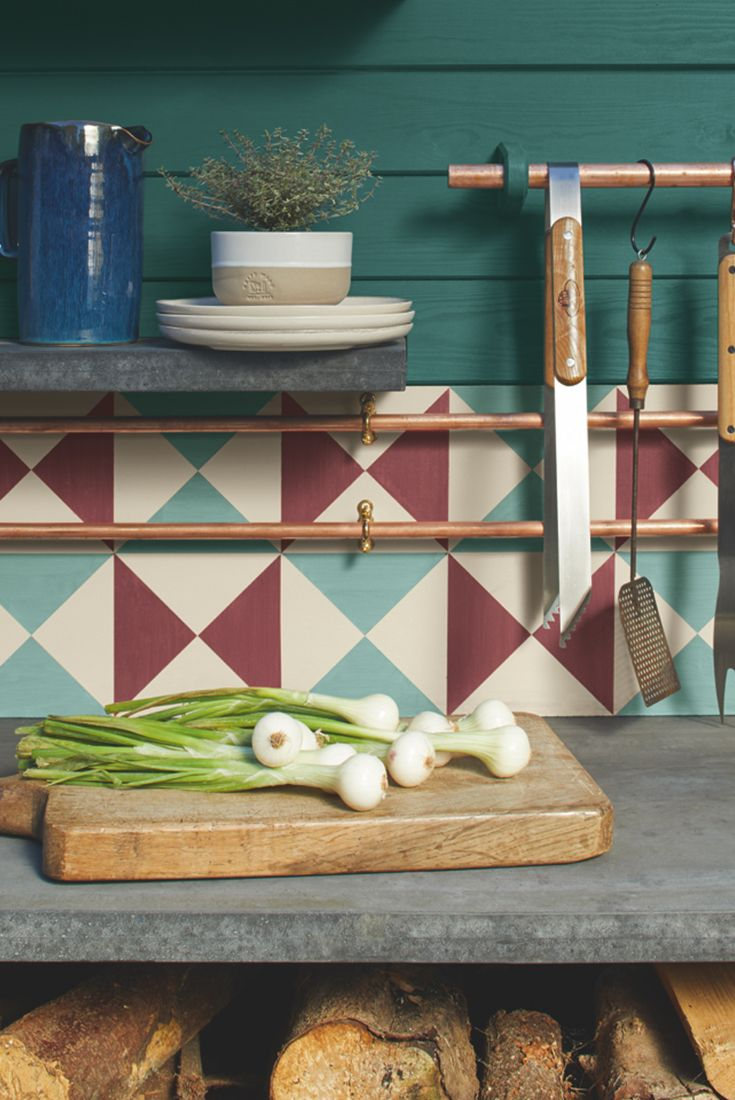 Cuprinol Outdoor Cooking trend creates the perfect place for entertaining by turning your garden into a 5th room. Find out how to create the look in our Lookbook.