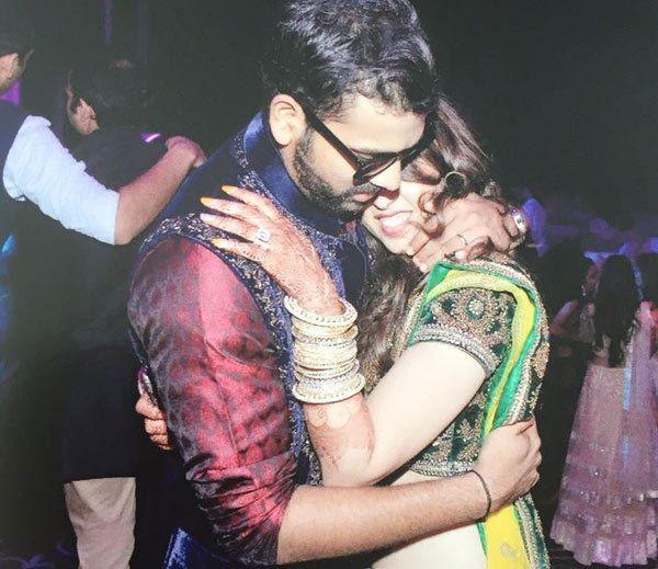 રોહિત શર્માએ પત્ની સાથે કરી બર્થ ડેની ઉજવણી, આવો હતો માહોલ