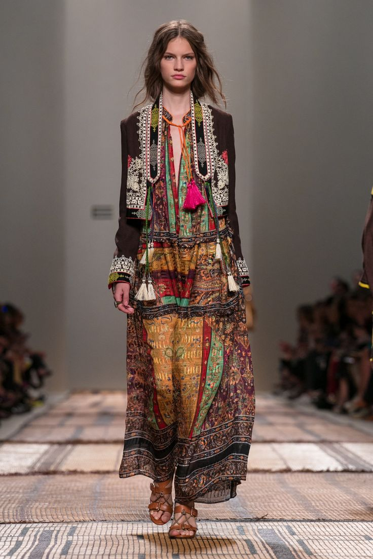Hippie Boho Style Veronica Etro Presents Her Spring 2017 Collection. | Etro