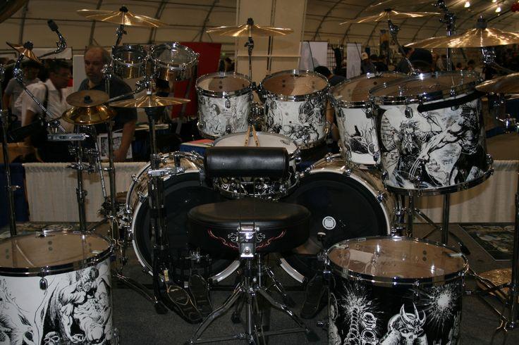 File:John Dolmayan's Drum Kit @ Super-Con 2007.jpg - Wikimedia Commons