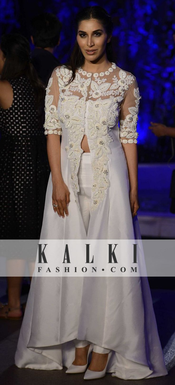 Sophie Choudry in Manish Malhotra Collection at Lakme Fashion Week 2016