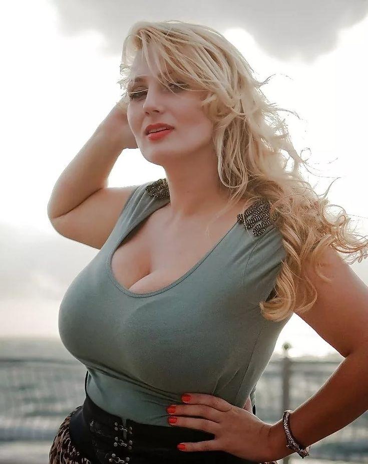 Большая грудь российских женщин, сперма на русских звездах фото