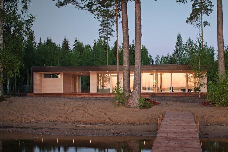 Kiva med tvådelat. Int kiva med platt tak, för 70-tals fiilis.