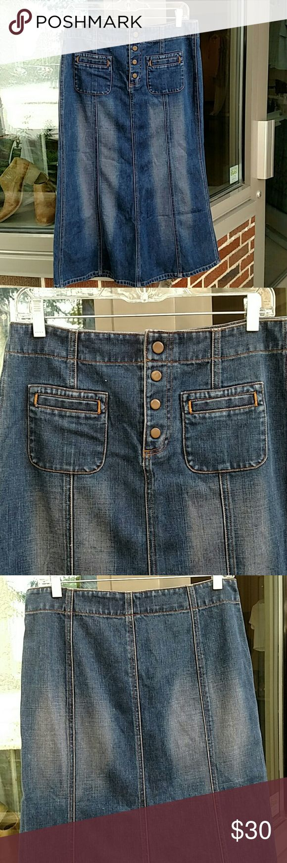 Gap long jean skirt Dark denim with light white wash distressed fade on front and back with rounded pockets and lined section design in front and back GAP Skirts Midi