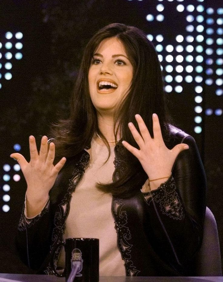 MONICA LEWINSKY  Former White House intern Monica Lewinsky was reportedly knitting frequently during the Clinton impeachment hearings, according to the New York Times. She has also designed her own knitting bags for holding knitting needles and skeins.