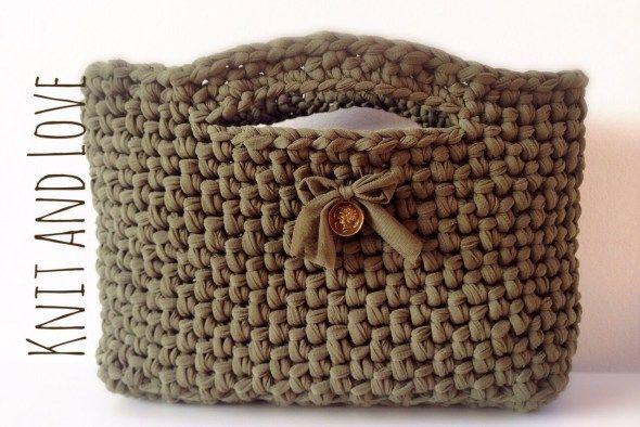 bolso de fettuccia a crochet, con video para tejer en español!!!