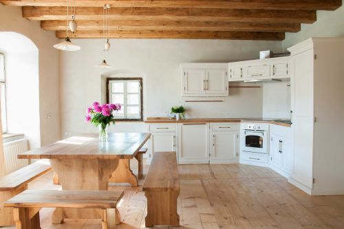 Beautiful restored kitchen in the former Parish House #kitchendesign #restoredhouse #wood #custommadefurniture #enjoyyourholiday #transylvania @Cincsor.Transylvania.Guesthouses