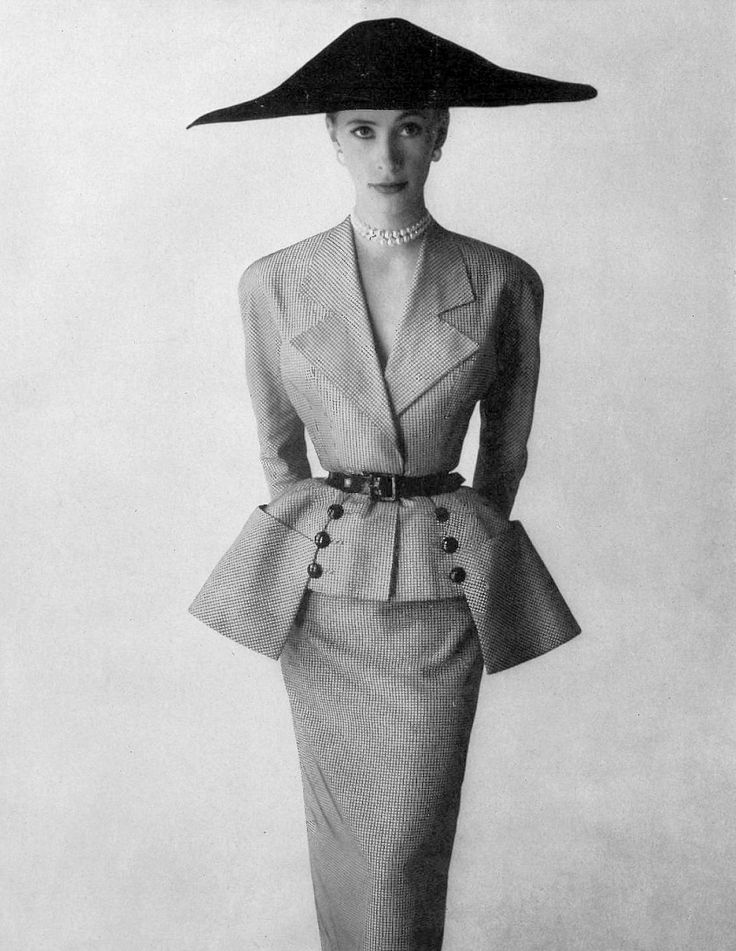 France Gheys in small check taffeta-satin suit by Paquin, photo by Skillford, 1951