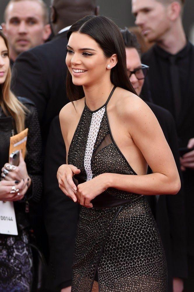 Kendall Jenner, Khloe Kardashian, Kylie Jenner - American Music Awards 2014