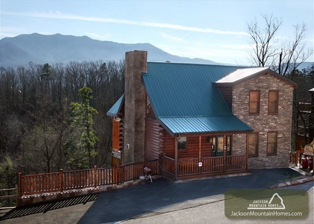 Smoky ridge view this unique cabin has everything you for Smoky mountain ridge cabins