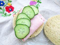 Antipastaa: Helppo ja nopea viljaton mikrosämpylä (gluteeniton, viljaton, maidoton, sokeriton, vhh, paleo)