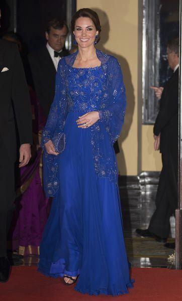 Le prince William et son épouse la duchesse de Cambridge, née Kate Middleton ont rencontré des stars de Bollywood lors d'un dîner de gala fastueux, di...