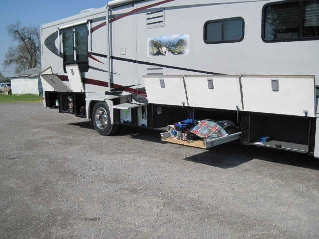 2004 Used Gulf Stream Crescendo 8386 Class A in Ohio OH.Recreational Vehicle, rv, 2004 Gulf Stream Crescendo 8386, This coach has full body paint very rare for these. Has new Engine Batteries, new tires all fluids changed even the fluids in the generator have been changed. The generator is a water cooled 7.5 k.w. Generac diesel. All of the awnings are new. The interior has been up graded with all new LCD T.V. Fireplace with heat and remote control, computer station desk with speakers. Had…