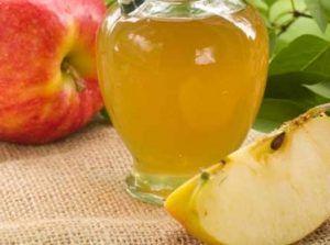 Organik elma sirkesi yapımı Organik Elma Sirkesi Tarifi Malzemeleri: 2 adet elmanın kabuğu 750 ml temiz içme suyu ( 1 litreden biraz az ) Bir çay kaşığı şeker Bir çay kaşığı tuz 1 lt'lik cam kavanoz Elmaların kabukları biraz kalınca soyulur ve kavanozun içine bırakılır. Daha sonra su, şeker ve tuz eklenerek kavanozun ağzı kapatılır. …
